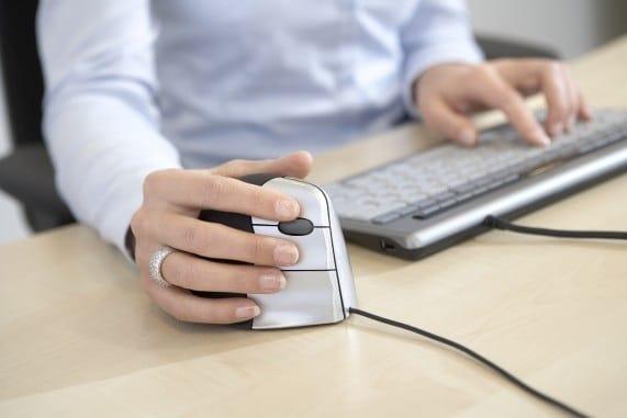 Een vertikale muis tegen RSI klachten