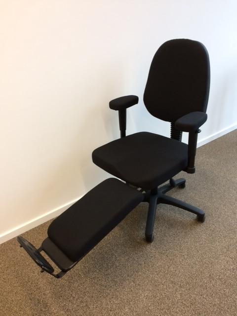 bureaustoel met beensteun