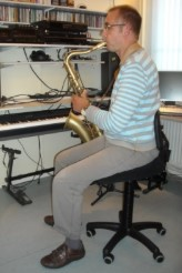 Saxofoonstoel, saxofoon stoel. saxofoonkruk, saxofoon kruk